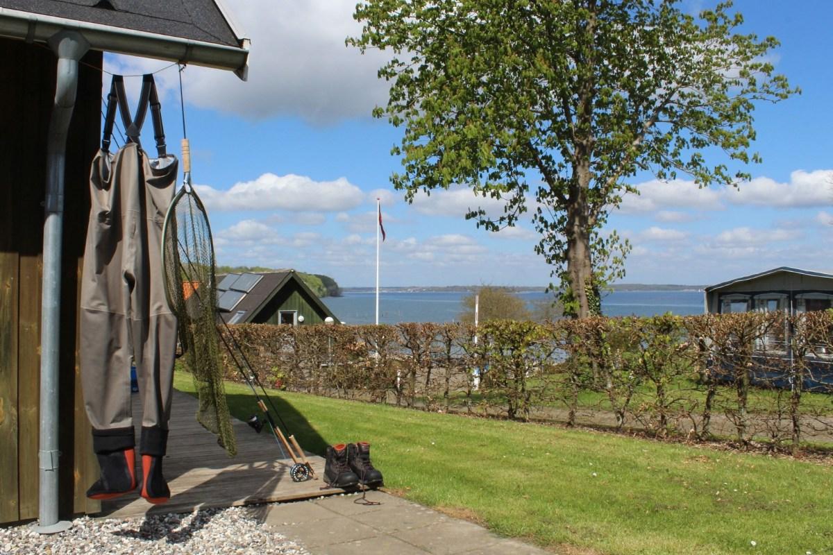 Anglerhütte direkt am Wasser in Dänemark