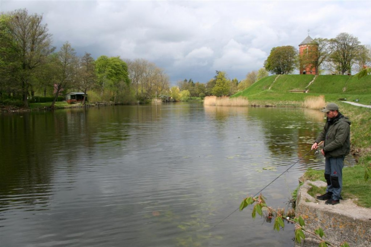 Angeln im Park am Nyborg Voldgravsystem