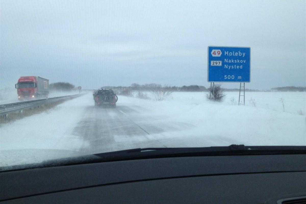 Fahrt nach Møn über schneeglatte Fahrbahn