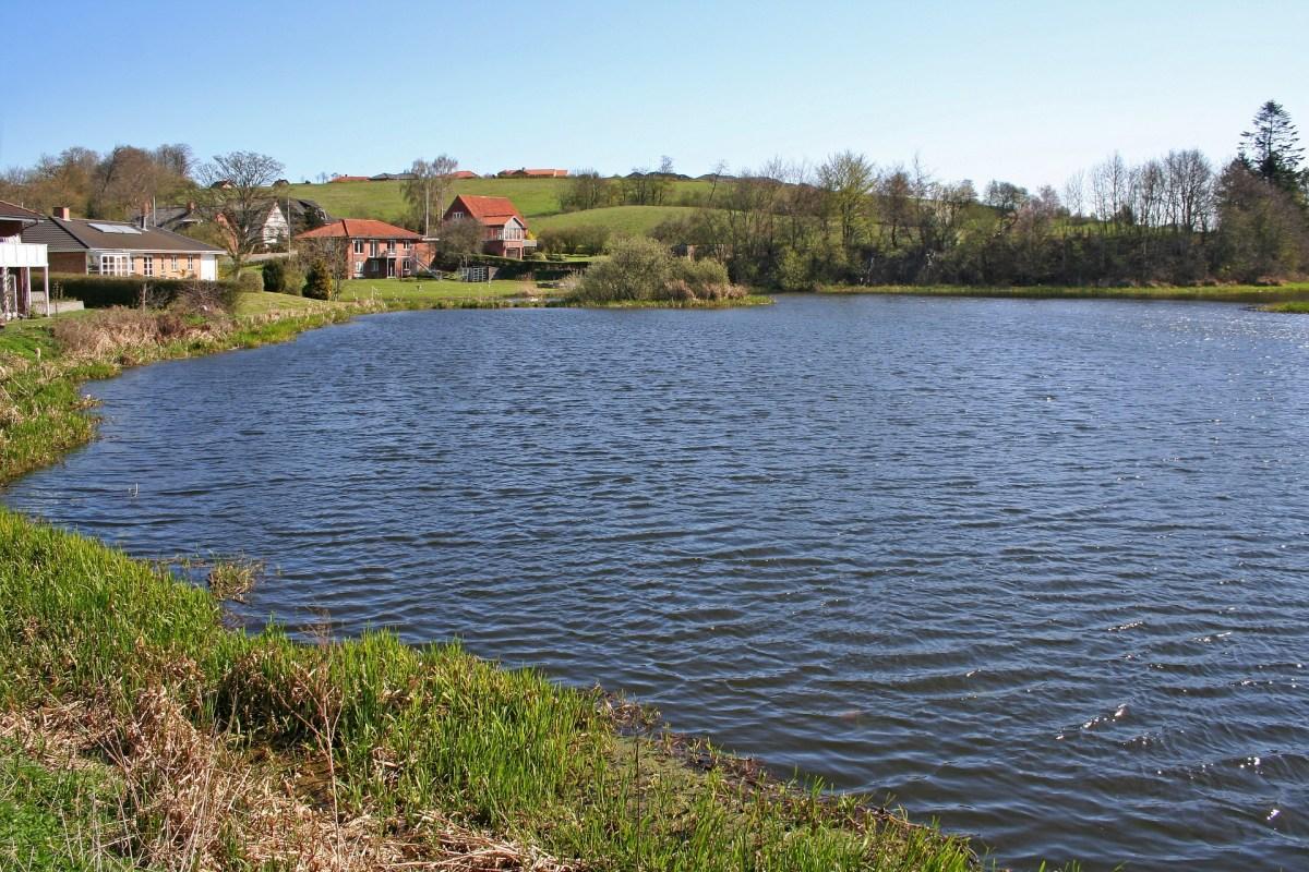 Der Påby Sø von den Harte-Dons Seen