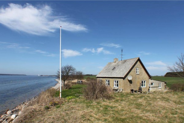 Ferienhaus direkt am Wasser an der Ostsee
