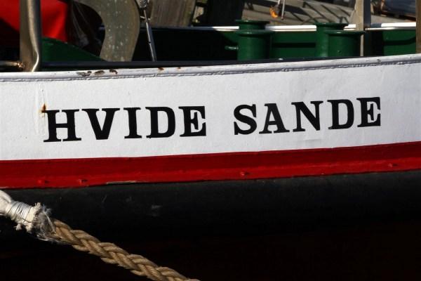Fischkutter mit Aufschrift Hvide Sande