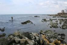 Schroffe Felsküste vor Fittinge auf Bornholm
